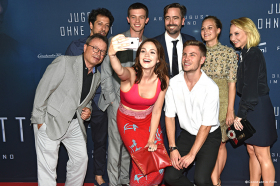 Jugend ohne Gott - Umjubelte Premiere in München